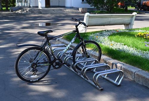 монтаж велосипедной парковки